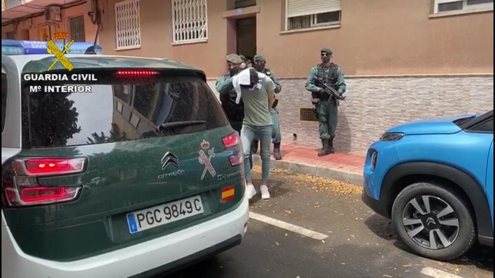 La Guardia Civil detiene en Alicante a un joven que utilizaba las plataformas de videojuegos online para difundir propaganda de DAESH
