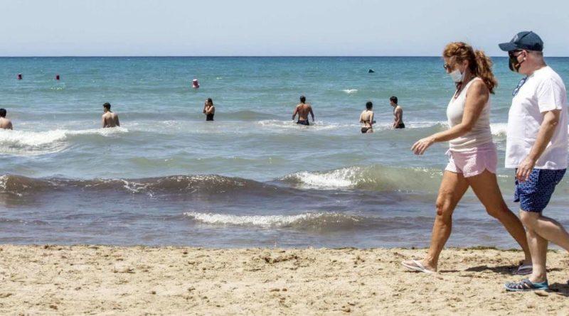 El Ayuntamiento de Elche declara el Carabassí playa sin humos