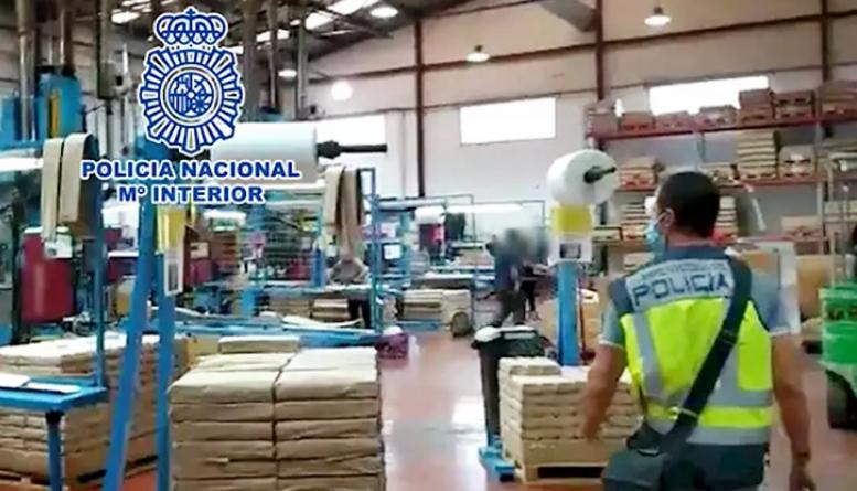 Detenido un empresario por explotar a sus trabajadores con turnos de 12 horas sin contrato ni descanso