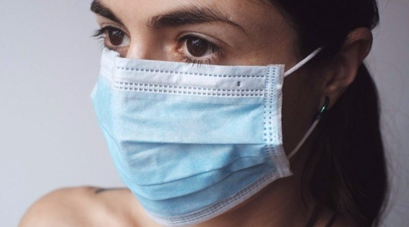 El decano del Colegio de Biólogos de Euskadi pone en duda todo lo conocido hasta ahora sobre el coronavirus