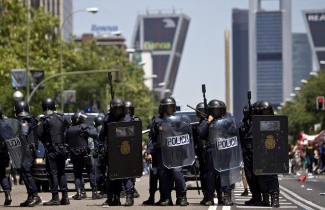 Otra visión distinta respecto a la actuación policial en las manifestaciones de los barrios obreros de Madrid