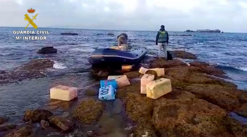 La Guardia Civil desmantela una organización dedicada al tráfico de hachís en el Campo de Gibraltar