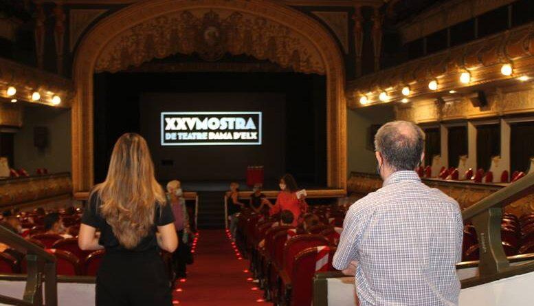 La XXV Mostra de Teatre Dama d'Elx echa el telón con un duelo de improvisaciones