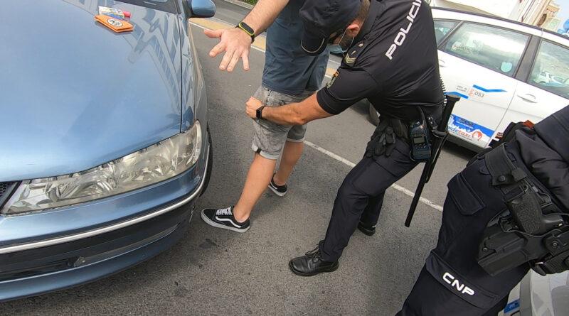 La Policía Nacional detiene a una persona infraganti cuando intentaba robar en una vivienda de Alicante