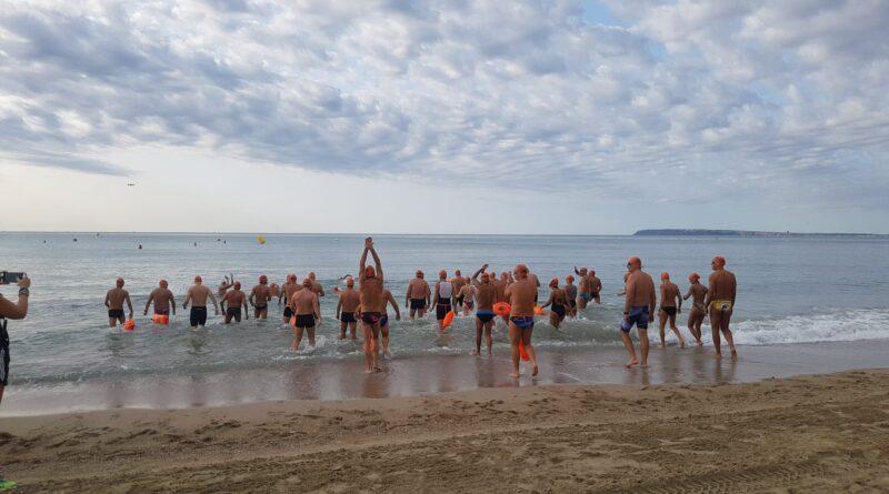 """David Meca estrena el canal de nado permanente más largo de España """"Serra Grossa"""" en una travesía organizada por la concejalía de Deportes de Alicante"""