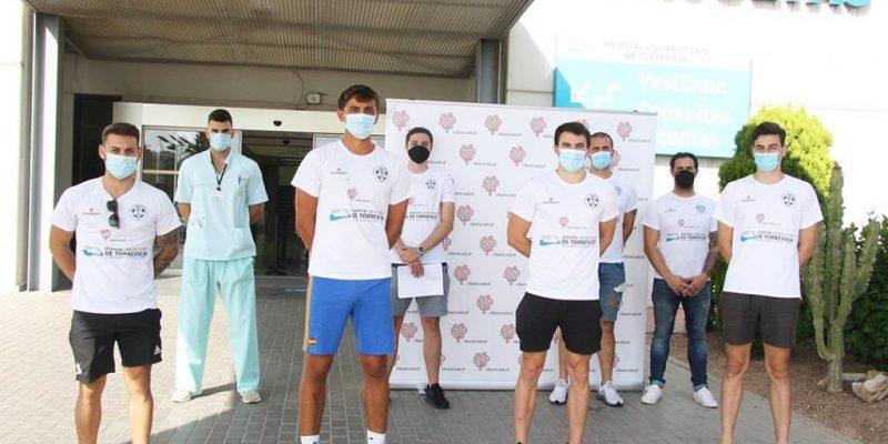 Ribera Salud en el Hospital Universitario de Torrevieja realiza las pruebas médicas de la plantilla del Club de Balonmano de Torrevieja en el inicio de temporada