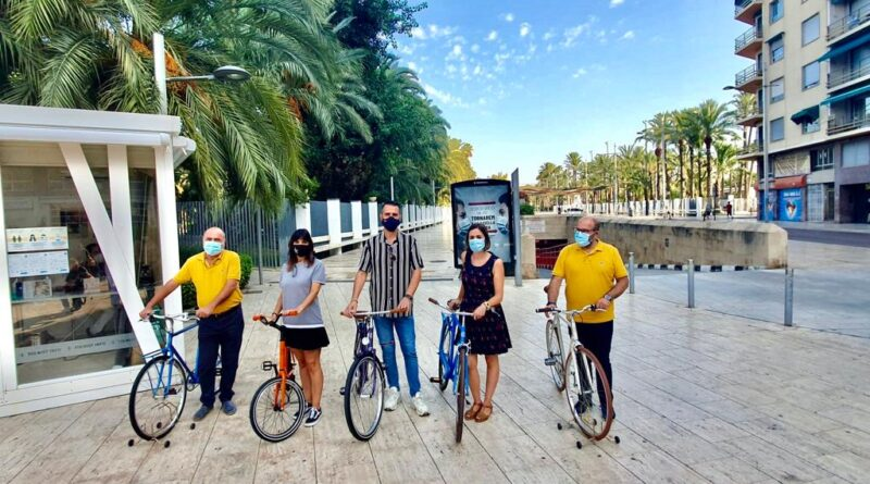 El Ayuntamiento de Elche y la Asociación de Comerciantes y Mercados sortean 200 bonos de autobús y diez bicicletas