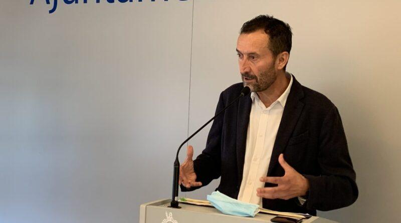 El alcalde de Elche urge a las fuerzas políticas a alcanzar un gran pacto que excluya el techo de gasto y movilice los ahorros municipales para reactivar la economía
