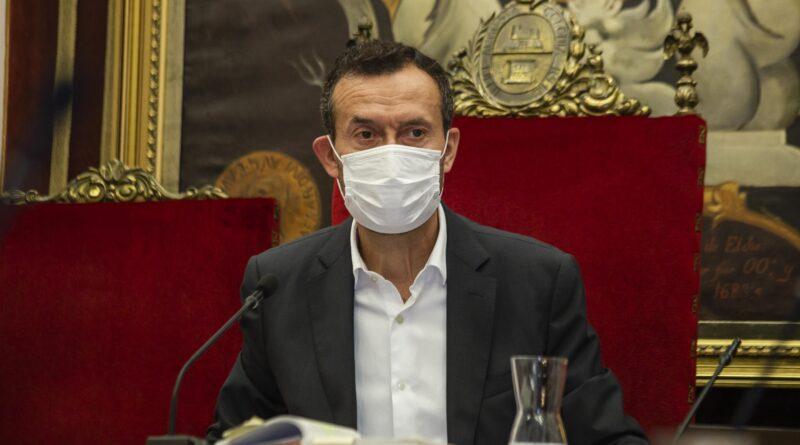 Llamamiento público del alcalde de Elche a los ilicitanos para cumplir con las restricciones del toque de queda