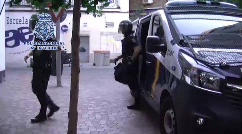 La Policía Nacional ha detenido a 40 personas en una operación contra el favorecimiento de la inmigración ilegal y falsedad documental