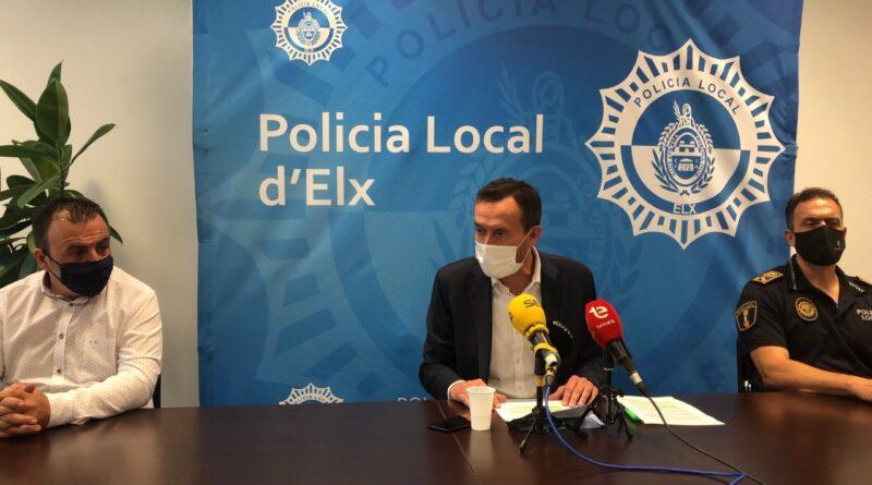 Elche duplica efectivos policiales para hacer cumplir el toque de queda decretado por la Generalitat