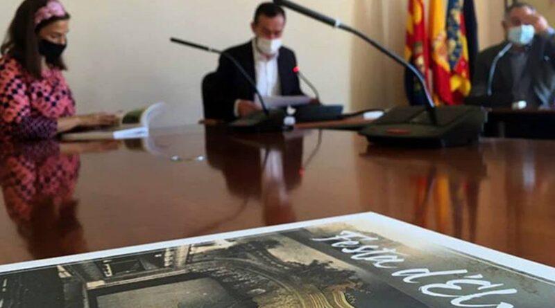 El alcalde de Elche anuncia durante la presentación de la revista 'Festa d'Elx' que impulsará la declaración del Gran Teatro como BIC
