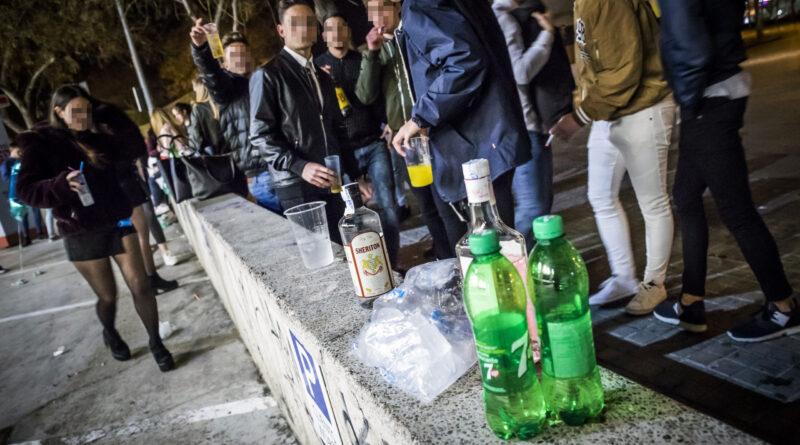 La Policía Local de Elche refuerza la lucha contra el botellón y el mal uso de las mascarillas para evitar la propagación del virus