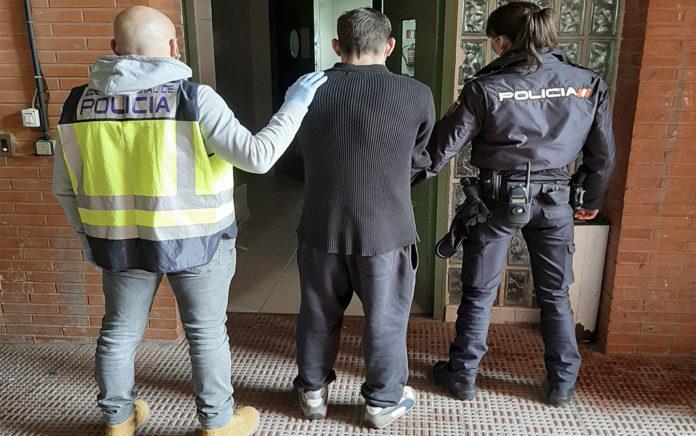 La Policía Nacional ha detenido a dos personas implicadas en el homicidio de una persona en Denia