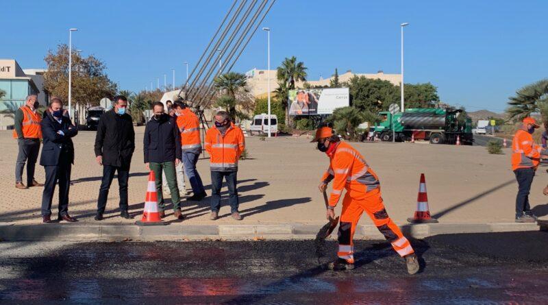 El Ayuntamiento de Elche inicia en el Pont del Bimil.lenari un plan de mejora del asfaltado dotado de 2,5 millones de euros