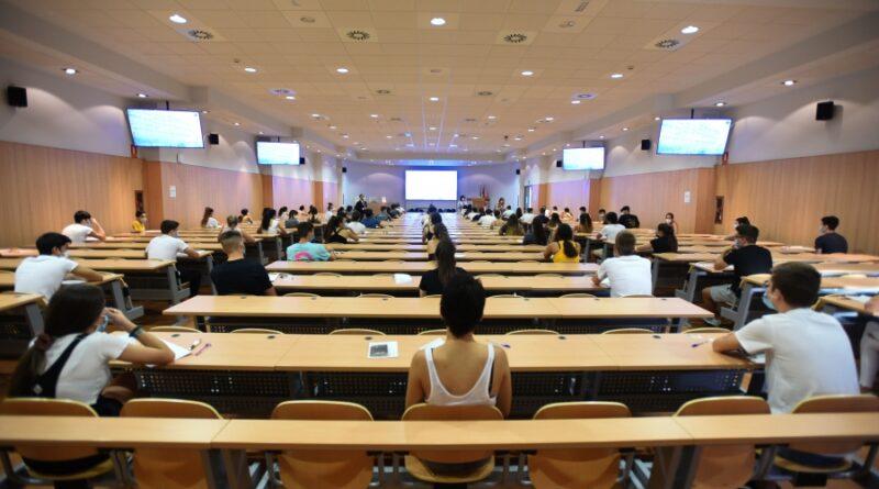 Revuelta estudiantil en las Universidades contra los exámenes presenciales en toda España