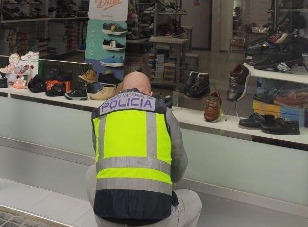 La Policía Nacional detiene en Elche a una persona por seis delitos de robo con fuerza en establecimientos