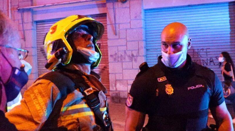 La Policía Nacional, SPEIS de Bomberos y Policía Local de Alicante resuelven con éxito tres intervenciones que los vecinos reclamaban con urgencia