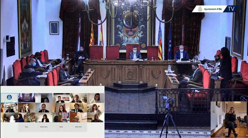El Pleno de Elche aprueba definitivamente la suspensión de la tasa de mesas y sillas y mercadillos en 2021 con el fin de paliar los efectos económicos de la pandemia