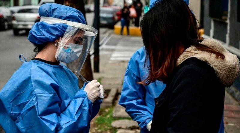 COVID-19 | España vuelve a registrar más de 40.200 contagios y la incidencia roza los 900