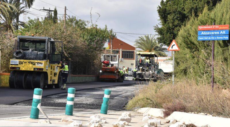 El Ayuntamiento de Elche continúa con su plan de mejora de asfaltado en las pedanías de Alzabares y El Derramador