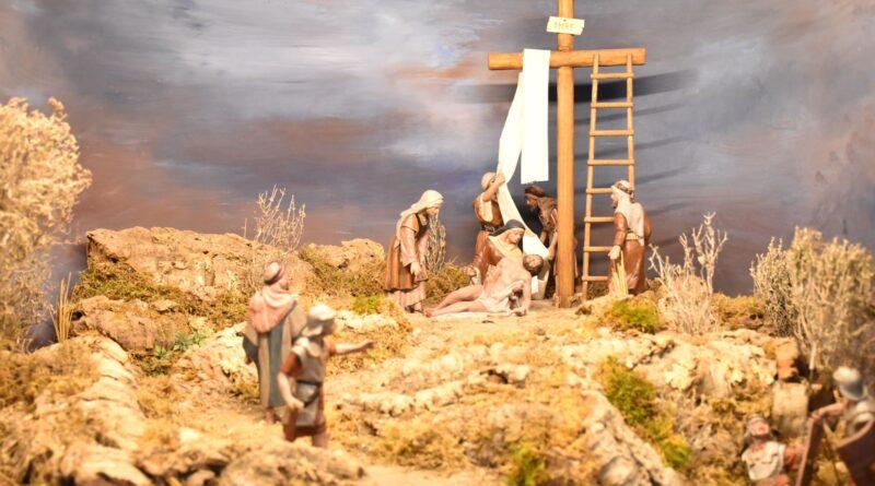 El museo 'Casa del Belén' de Elche recupera la exposición de Dioramas de la Pasión con escenas como la Entrada en Jerusalén o el Santo Sepulcro