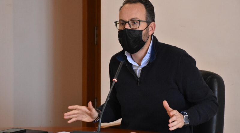 """El Ayuntamiento de Elche comienza el pago de las ayudas 'Paréntesis"""" con los primeros 500.000 euros para 208 beneficiarios"""