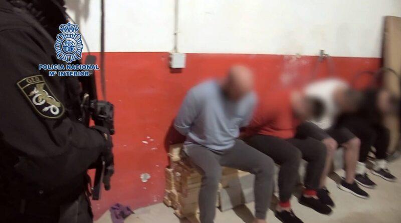 La Policía Nacional desarticula en Almoradi un laboratorio clandestino con capacidad para producir 600 kilogramos de cocaína al mes