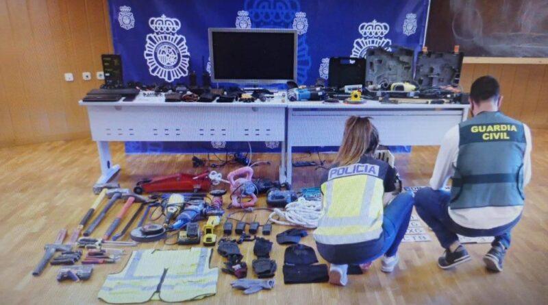 La Policía Nacional y la Guardia Civil detienen a seis personas y esclarecen 131 delitos de robo cometidos en naves industriales de Alicante, Valencia y Murcia