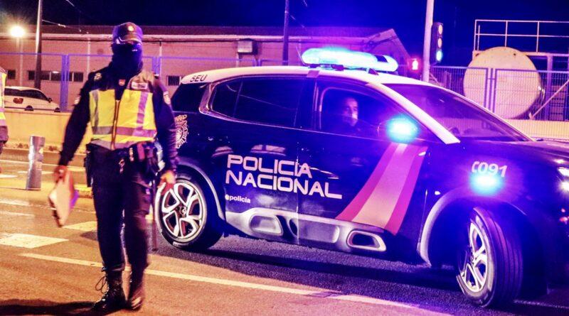 La Policía Nacional descubre una casa de citas en Alicante donde se ejercía la prostitución de manera clandestina sin respetar las medidas sanitarias en horario de restricción nocturna