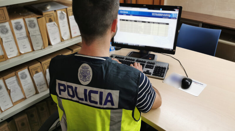 La Policía Nacional localiza a dos fugitivos ocultos en la provincia de Alicante por delitos de tráfico de drogas y blanqueo de capitales