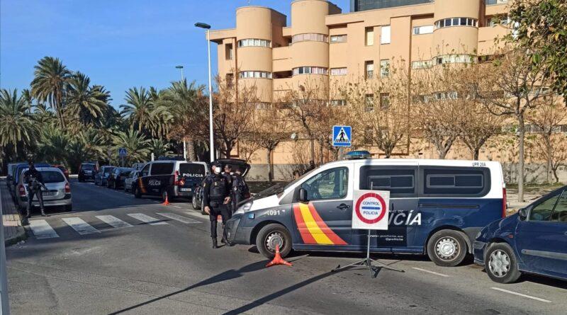 """La Policía Nacional desmantela """"tres puntos negros"""" de venta de sustancias estupefacientes en la ciudad de Elche"""